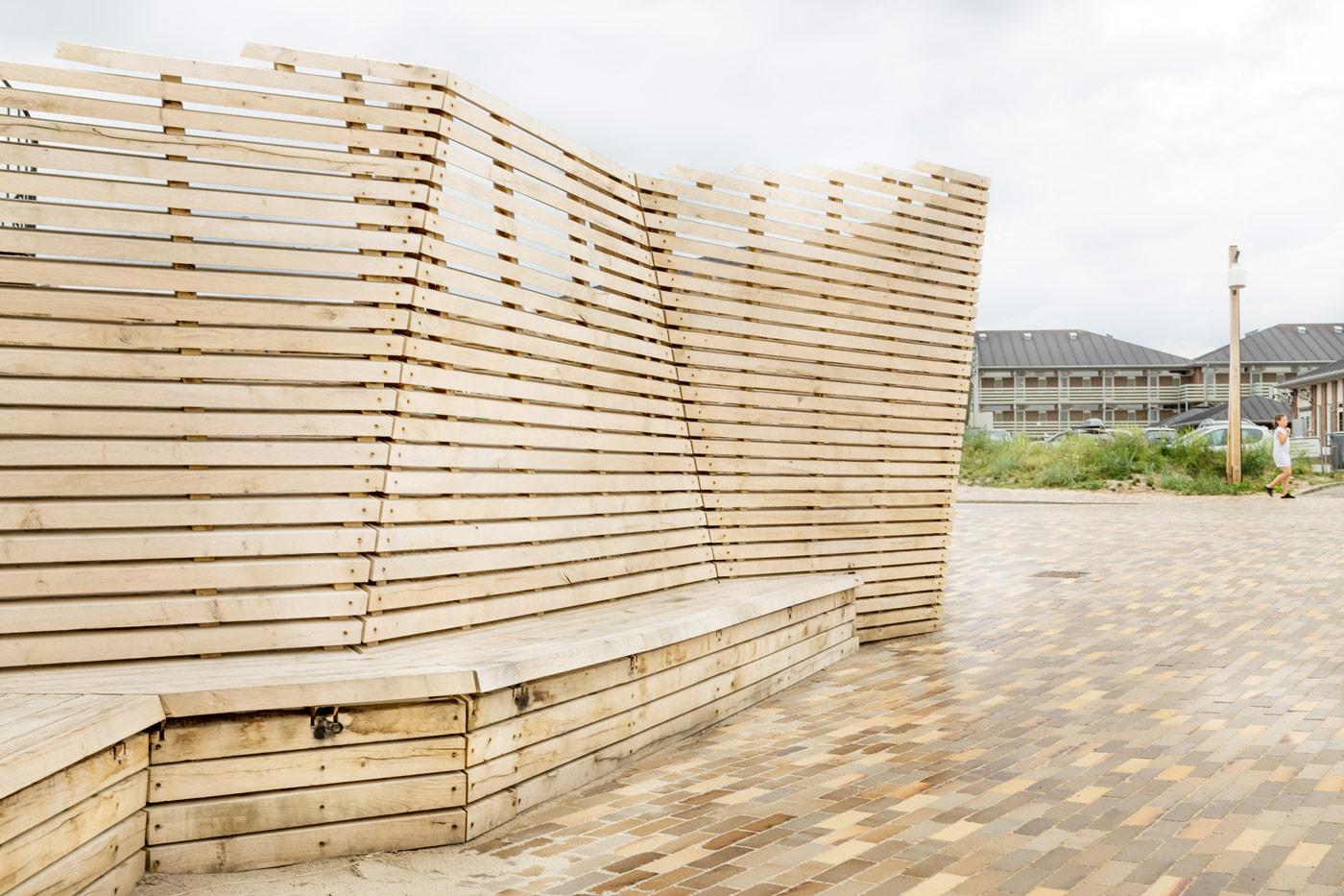 Fanø Bad træbænk teglbelægning